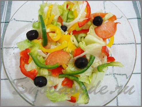 разноцветный салат с болгарским перцем