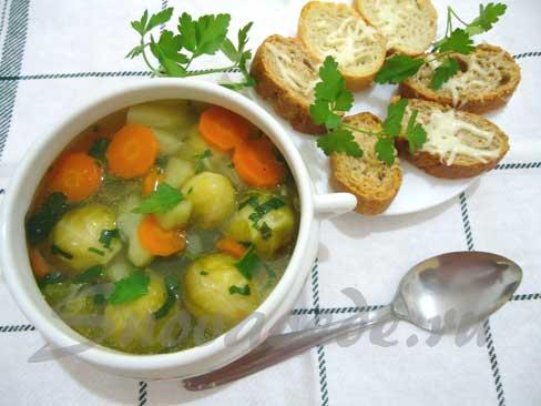 Деревенский суп с брюссельской капустой