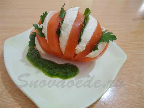 помидор и моцарелла