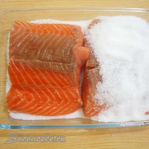 Как вкусно посолить красную рыбу