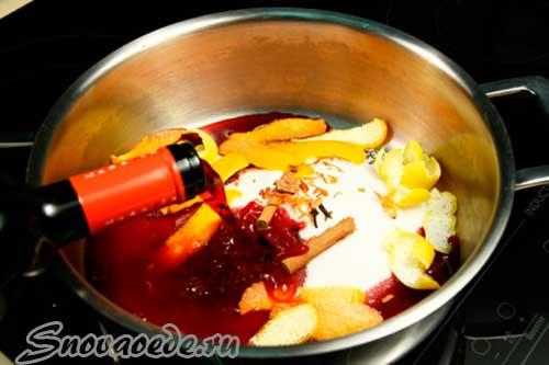 налить вино