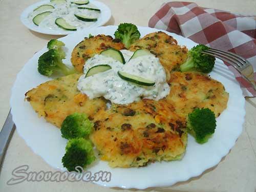 Картофельные оладьи с брокколи