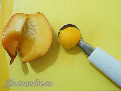 сделать шарики из персика