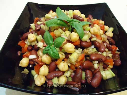 Салат с фасолью и нут в маринаде